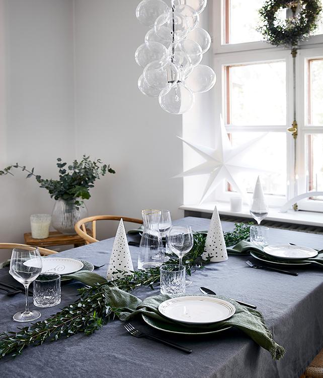Adventný stôl